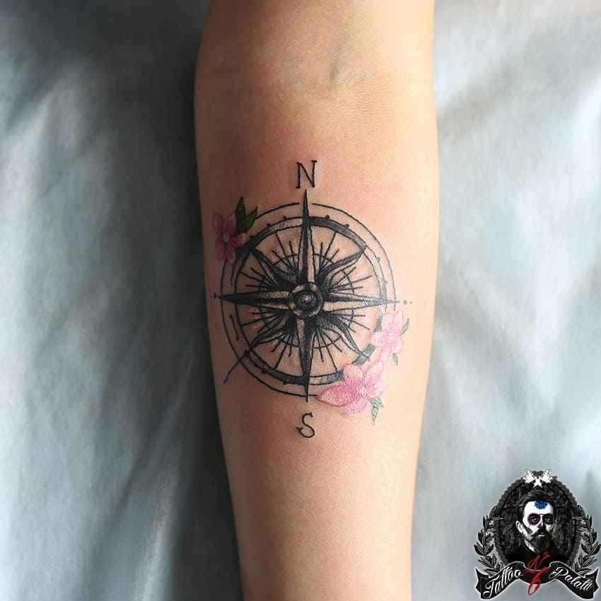 Женское тату компас фото_17