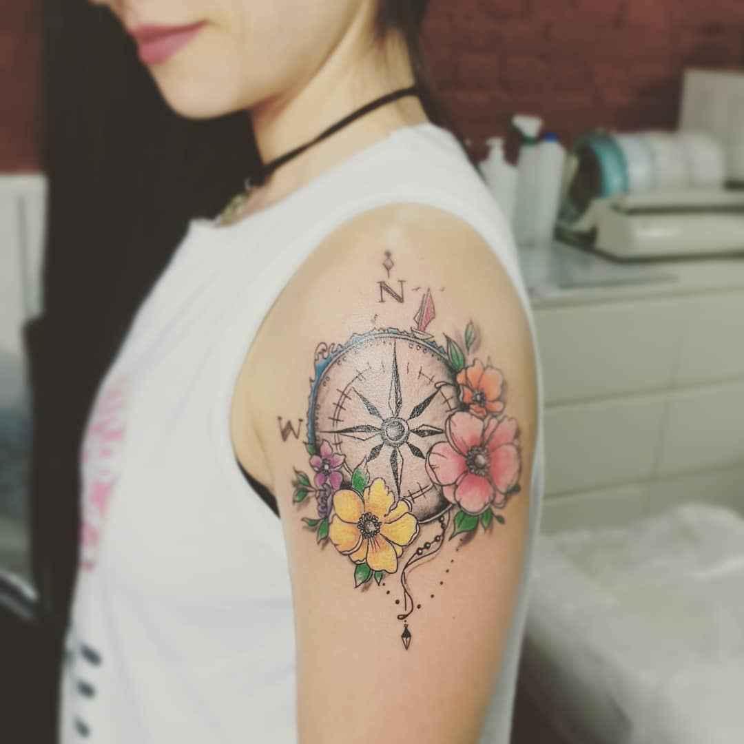 Женское тату компас фото_15