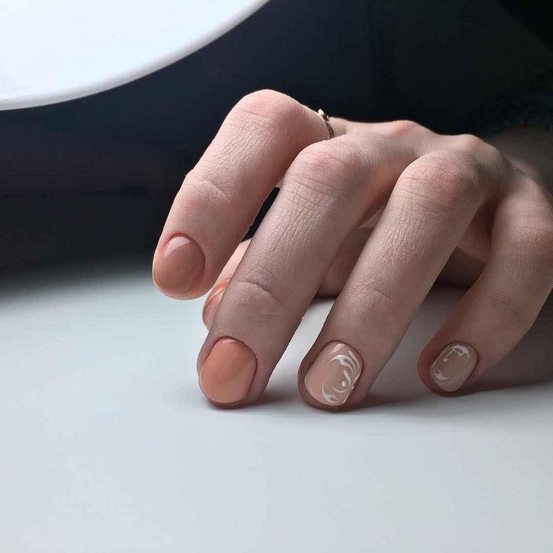 Маникюр на очень короткие ногти фото_1