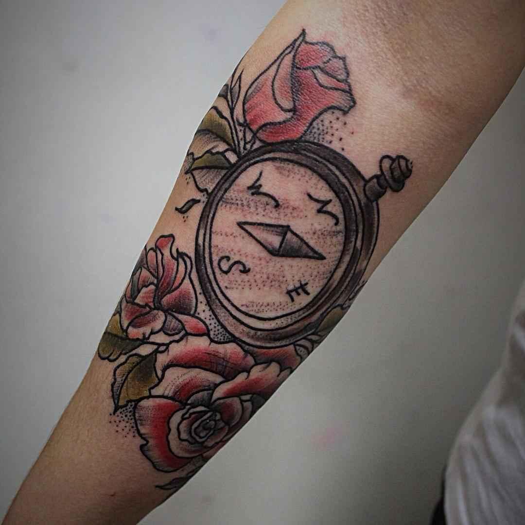 Женское тату компас фото_23