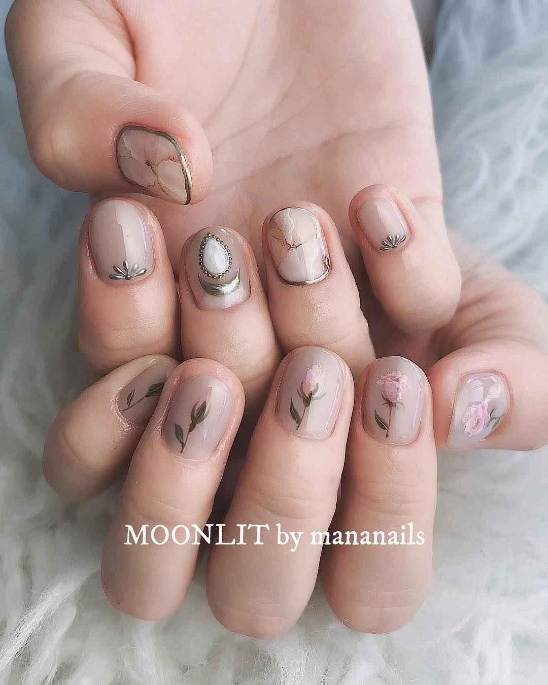 Тренды маникюра на короткие ногти весна 2019 фото_15