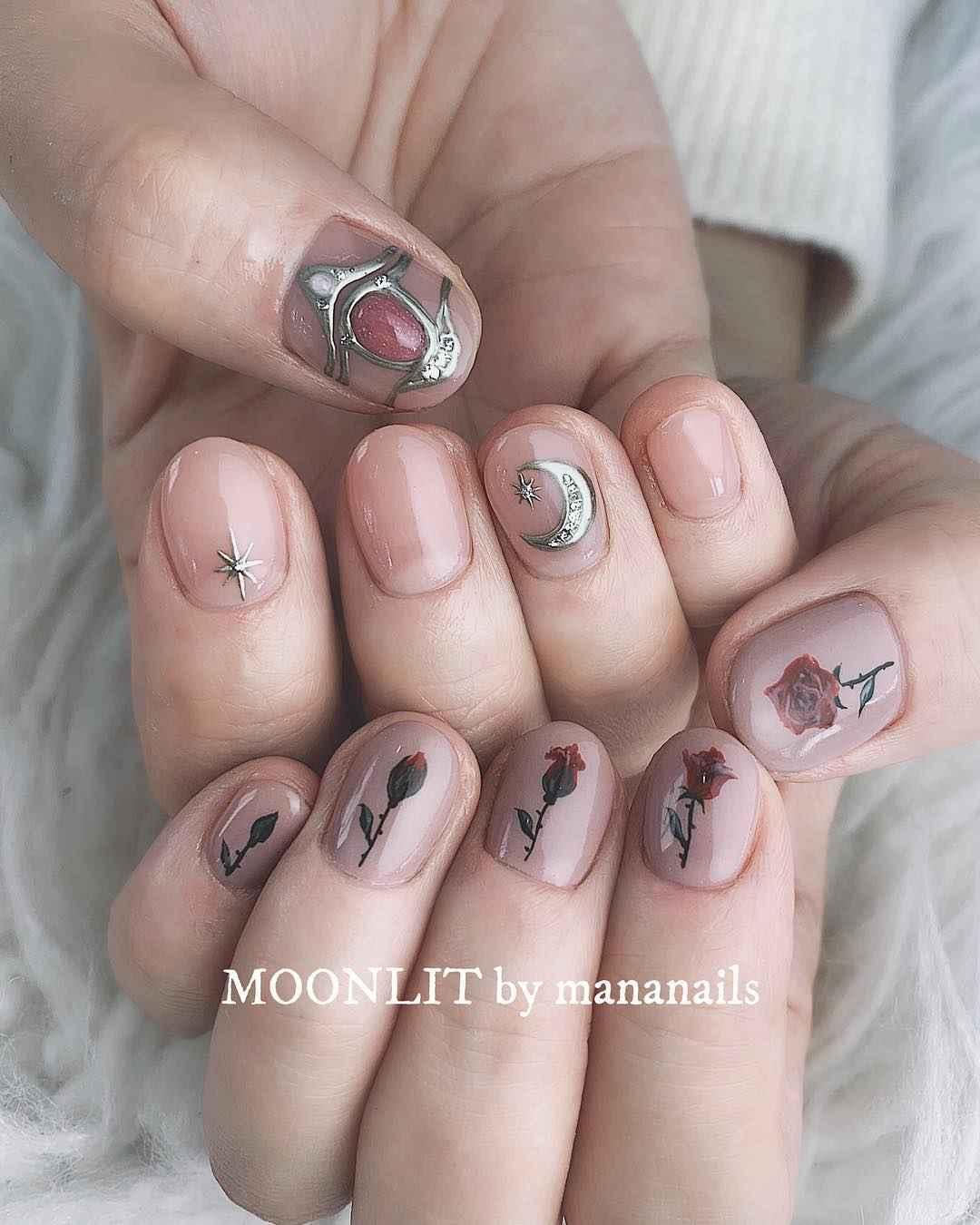 Тренды маникюра на короткие ногти весна 2019 фото_17