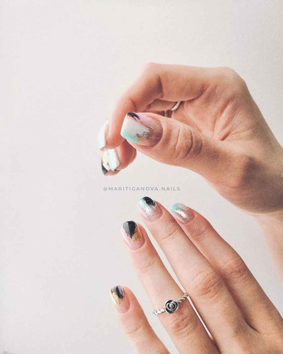 Пастельный маникюр на коротких ногтях фото_23