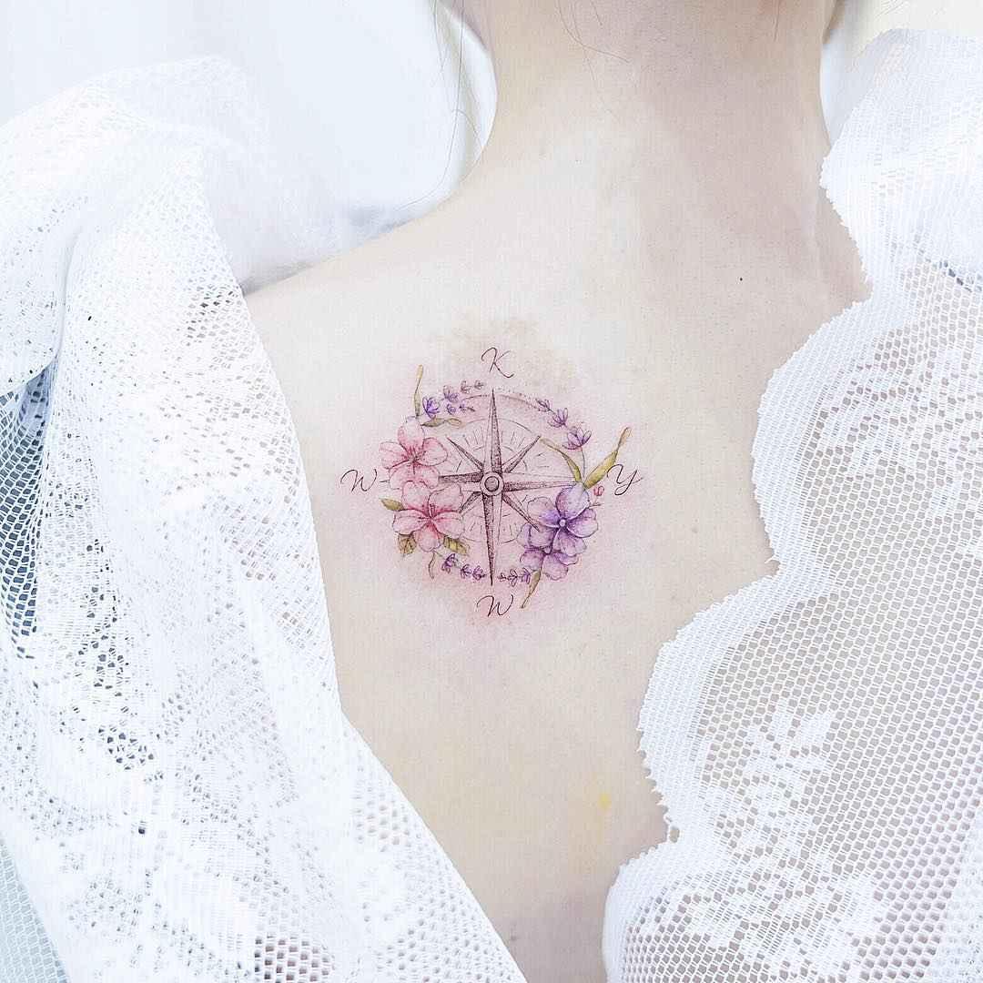 Женское тату компас фото_27