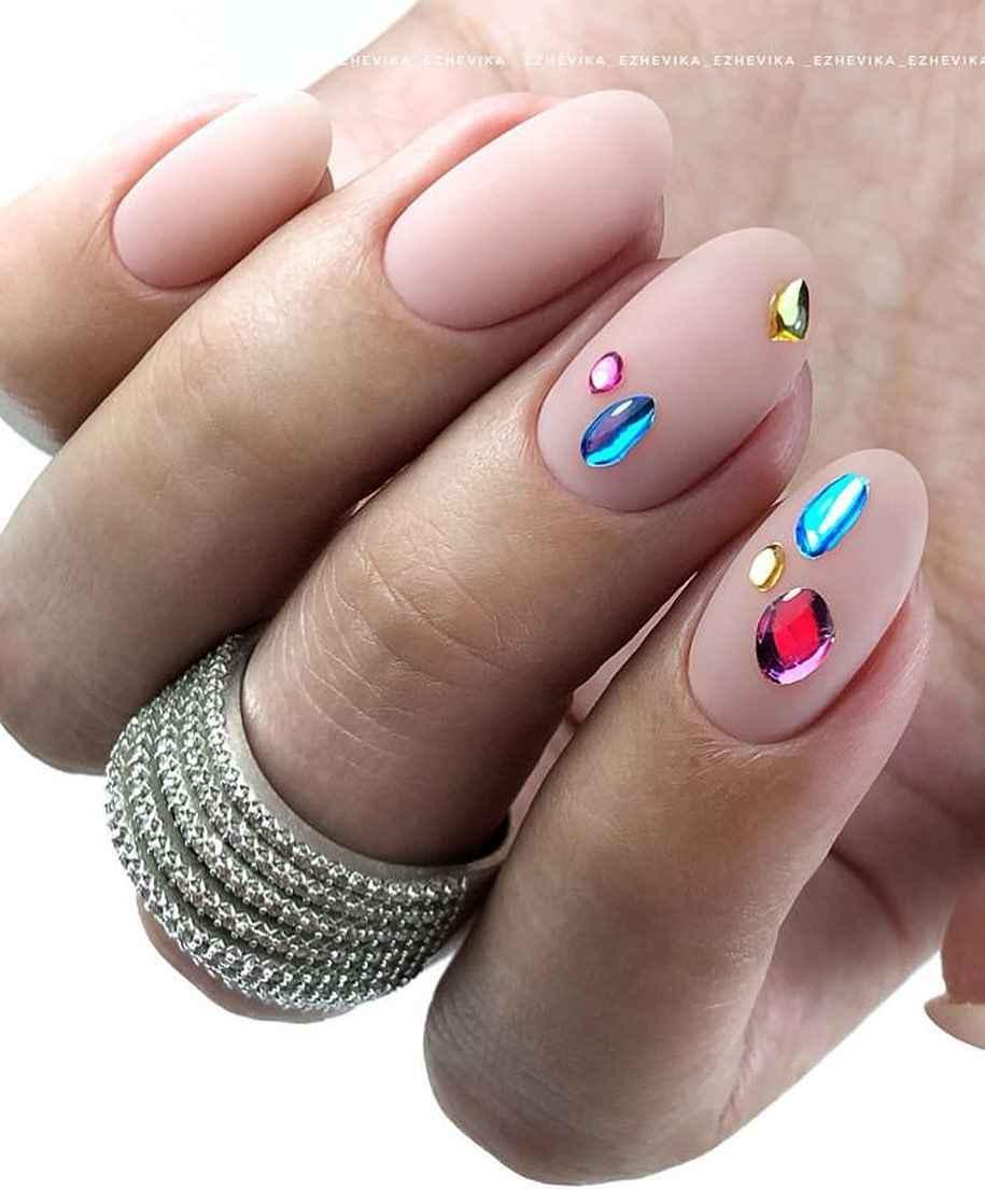 Маникюр на короткие ногти весна 2020 фото_1