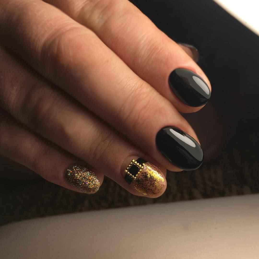 Маникюр весна 2019 на короткие ногти миндаль фото_5