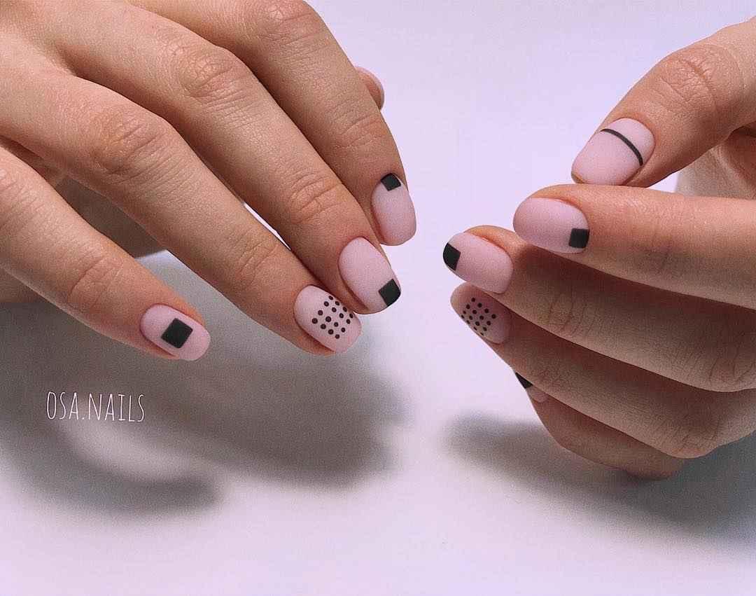 Маникюр на очень короткие ногти фото_11