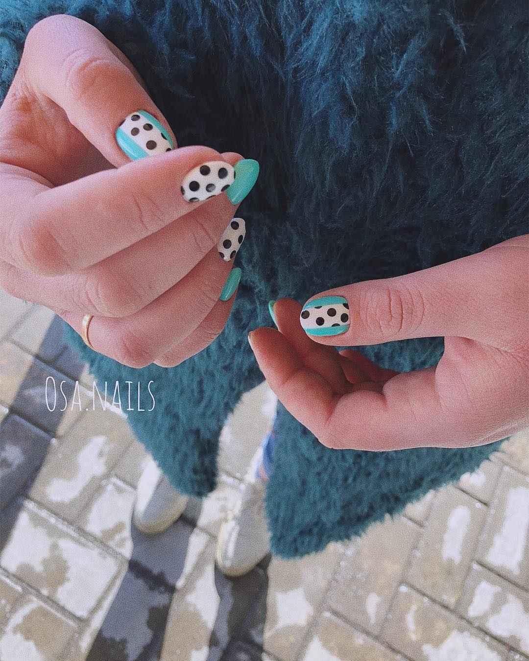 Маникюр на очень короткие ногти фото_13