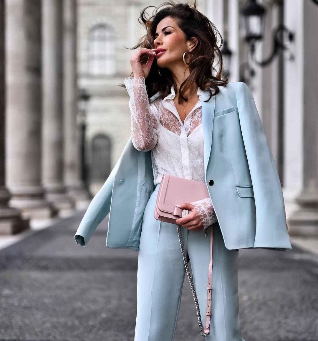 рубашки и блузы для женщин 40 лет 2019 фото_17