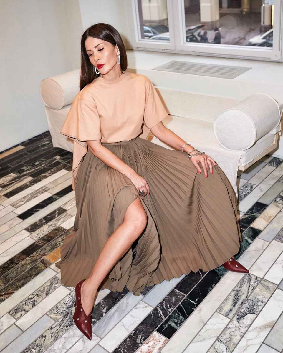 рубашки и блузы для женщин 40 лет 2019 фото_1
