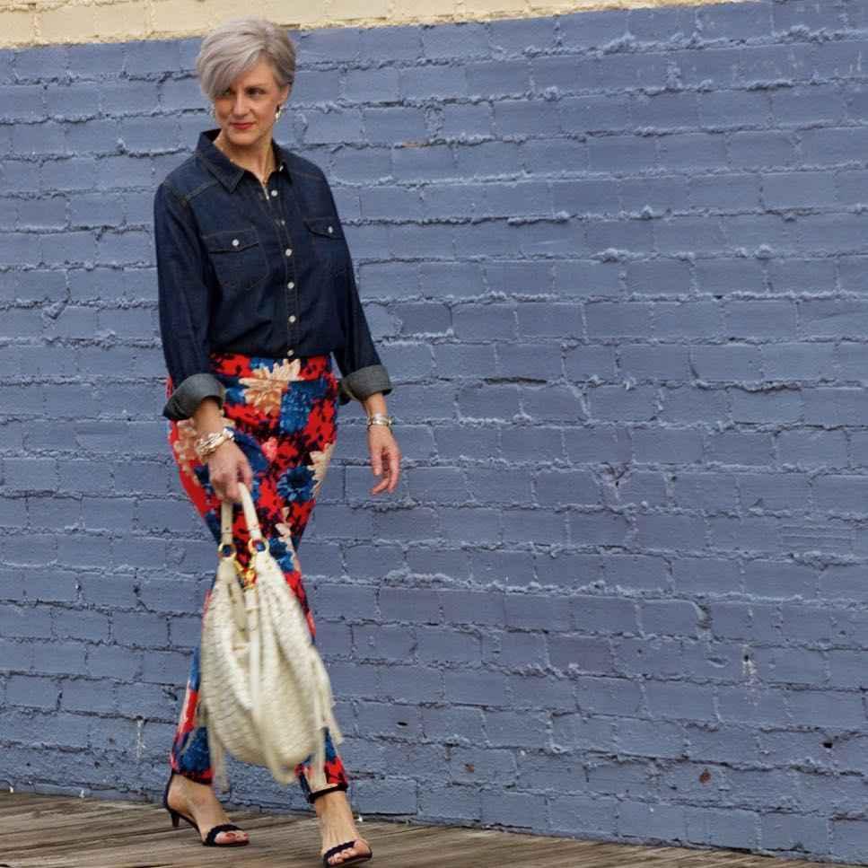 рубашки и блузы для женщин 50 лет 2019 фото_19