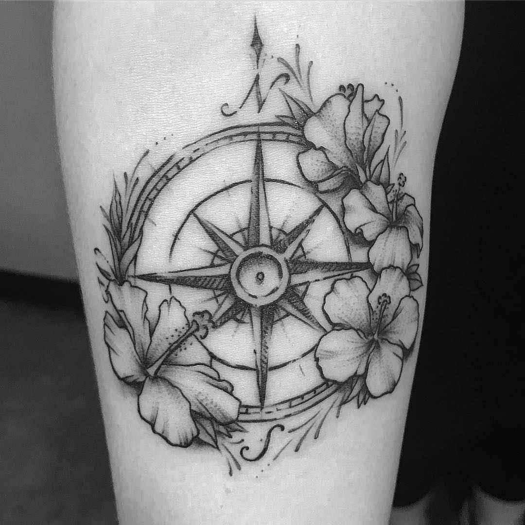 Женское тату компас фото_3