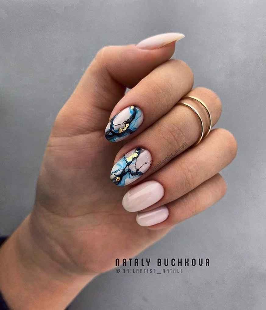 Маникюр на короткие ногти весна 2020 фото_51