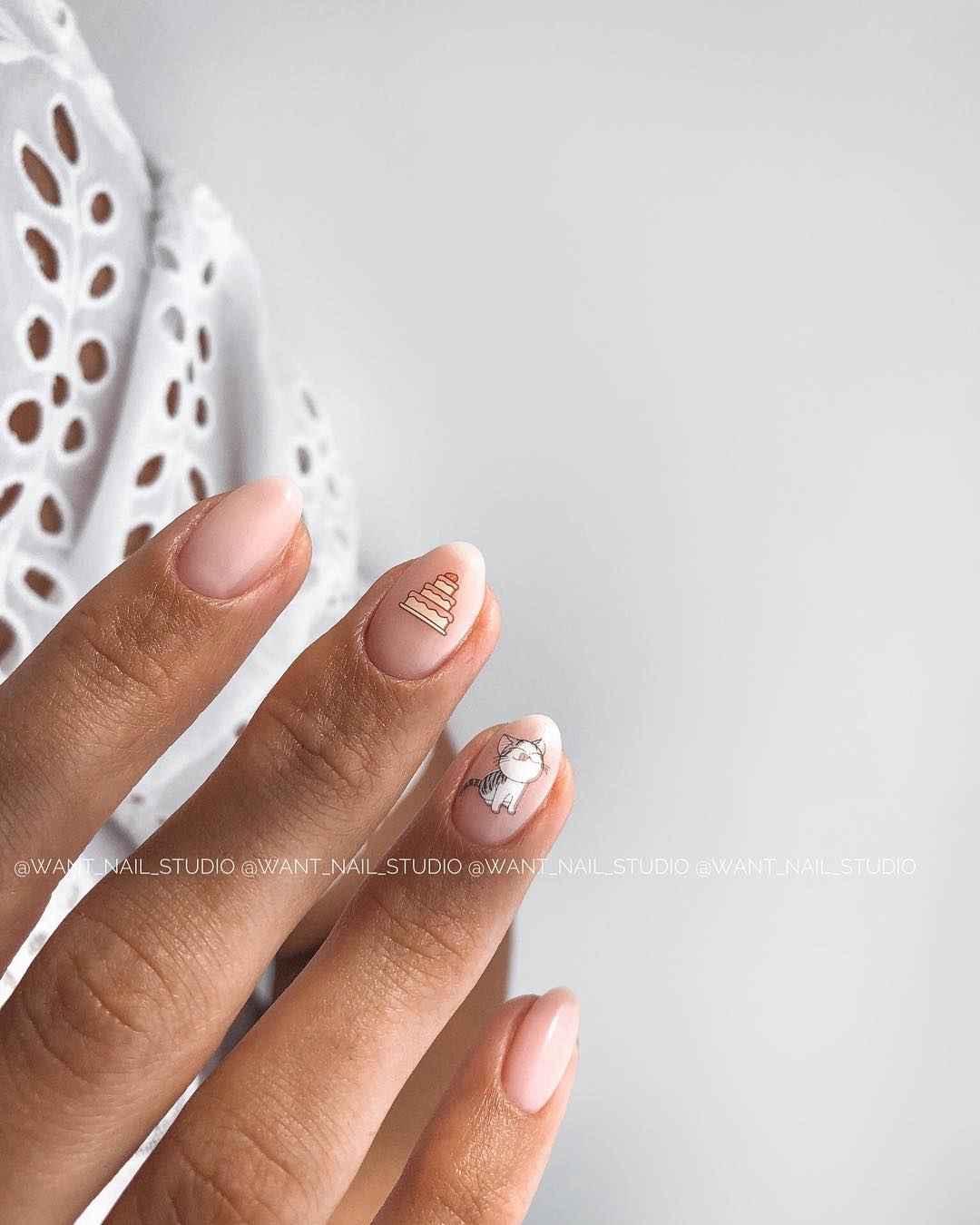 Маникюр на очень короткие ногти фото_15