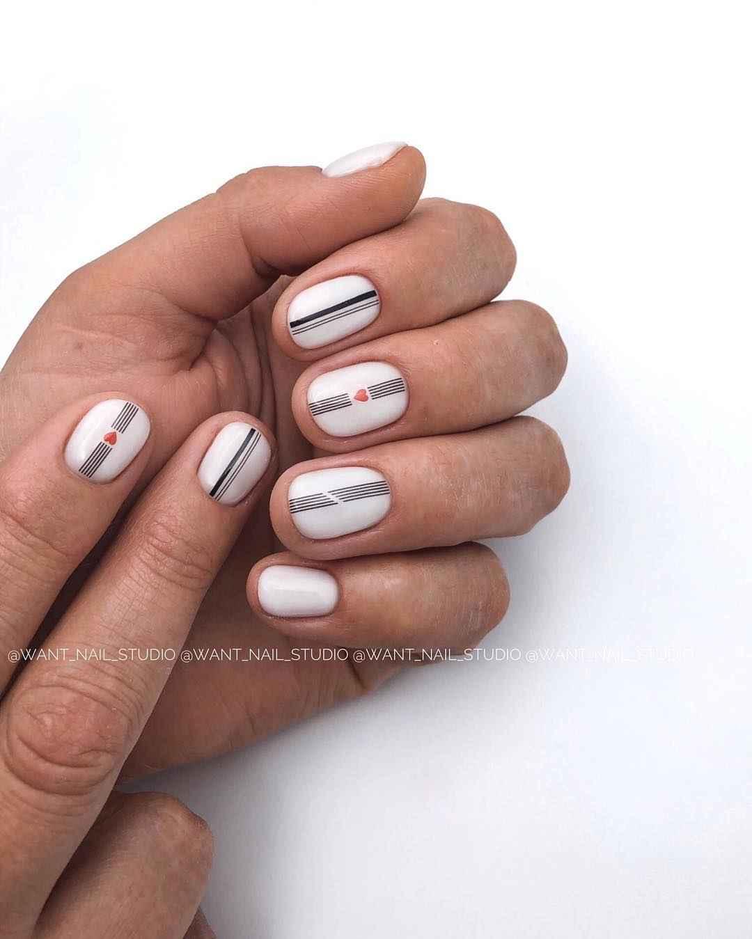 Маникюр на очень короткие ногти фото_19