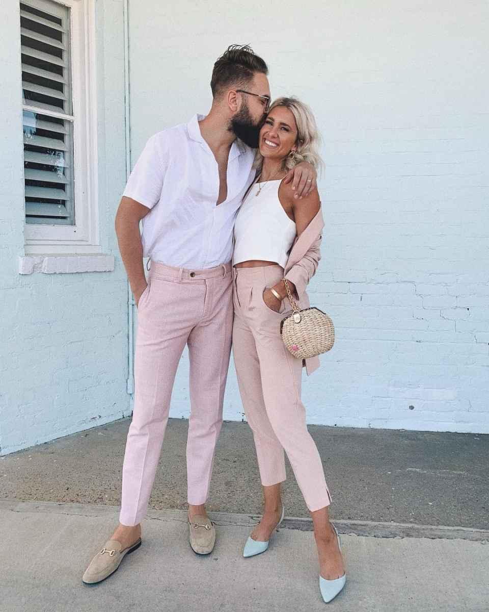парень и девушка в розовом