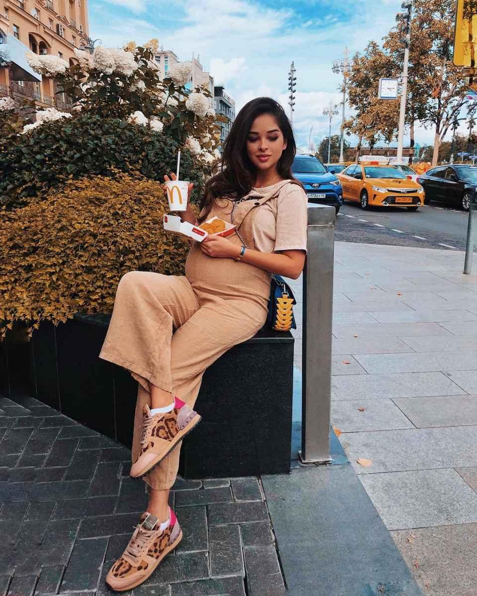 Мода для беременных весна-лето 2019 фото_28