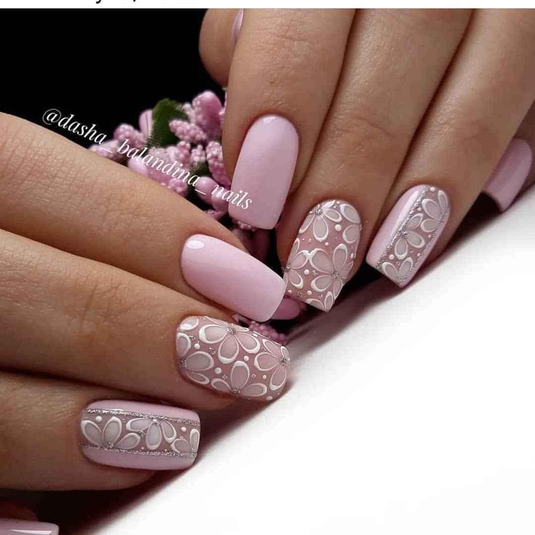 Розовый летний маникюрдля женщин за 50 фото_5