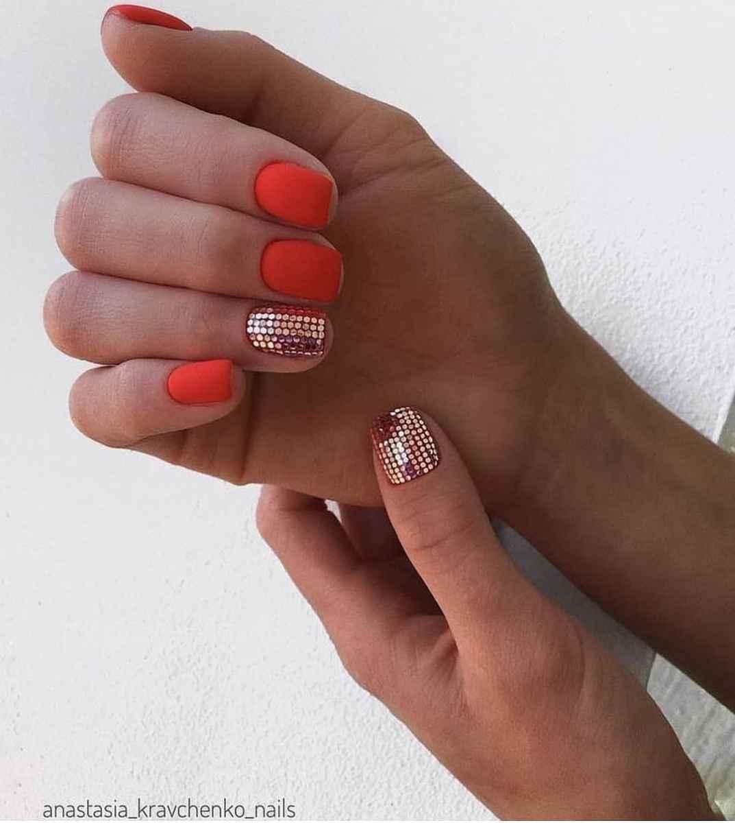 Красный летний маникюрдля женщин за 50 фото_5