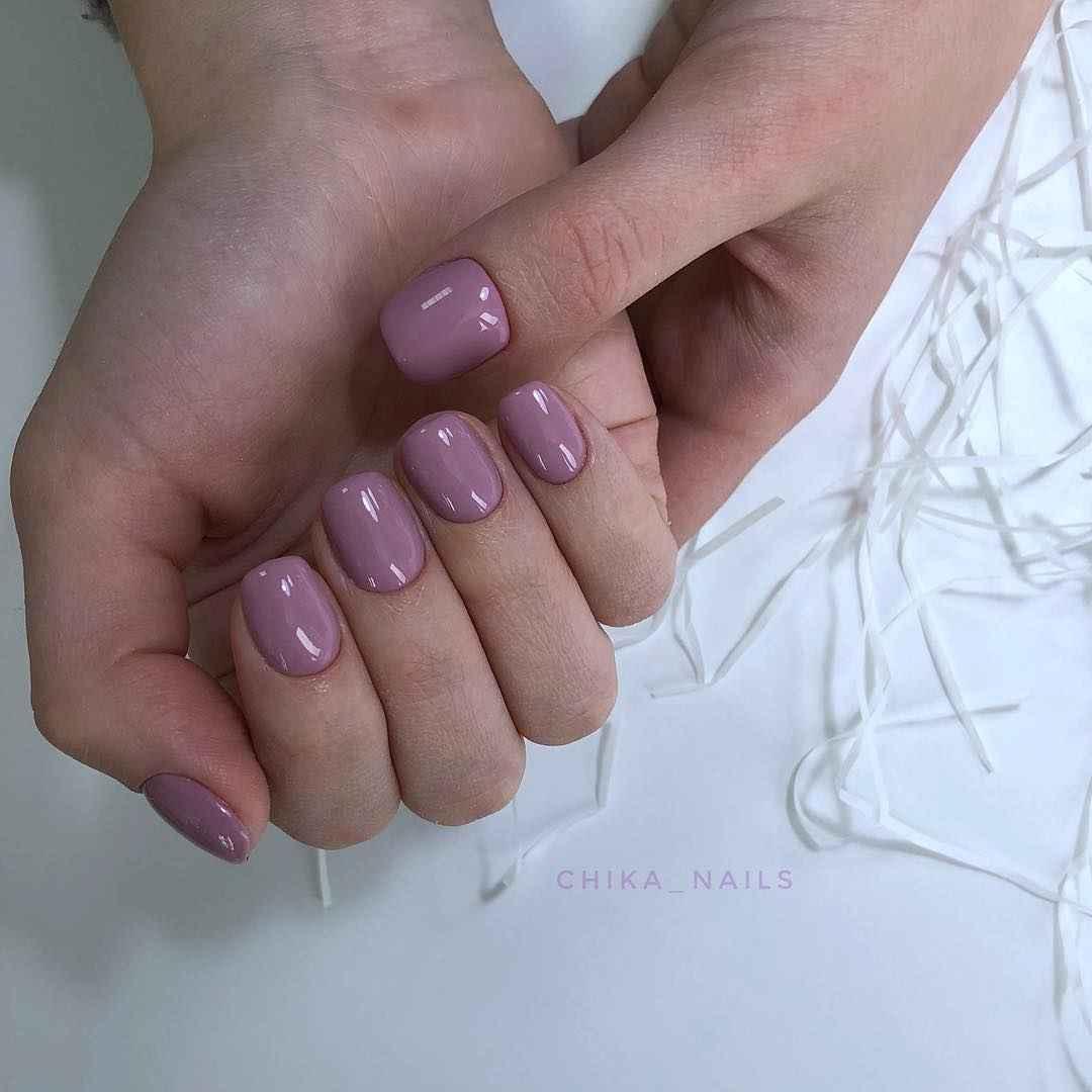 Розовый летний маникюрдля женщин за 50 фото_1