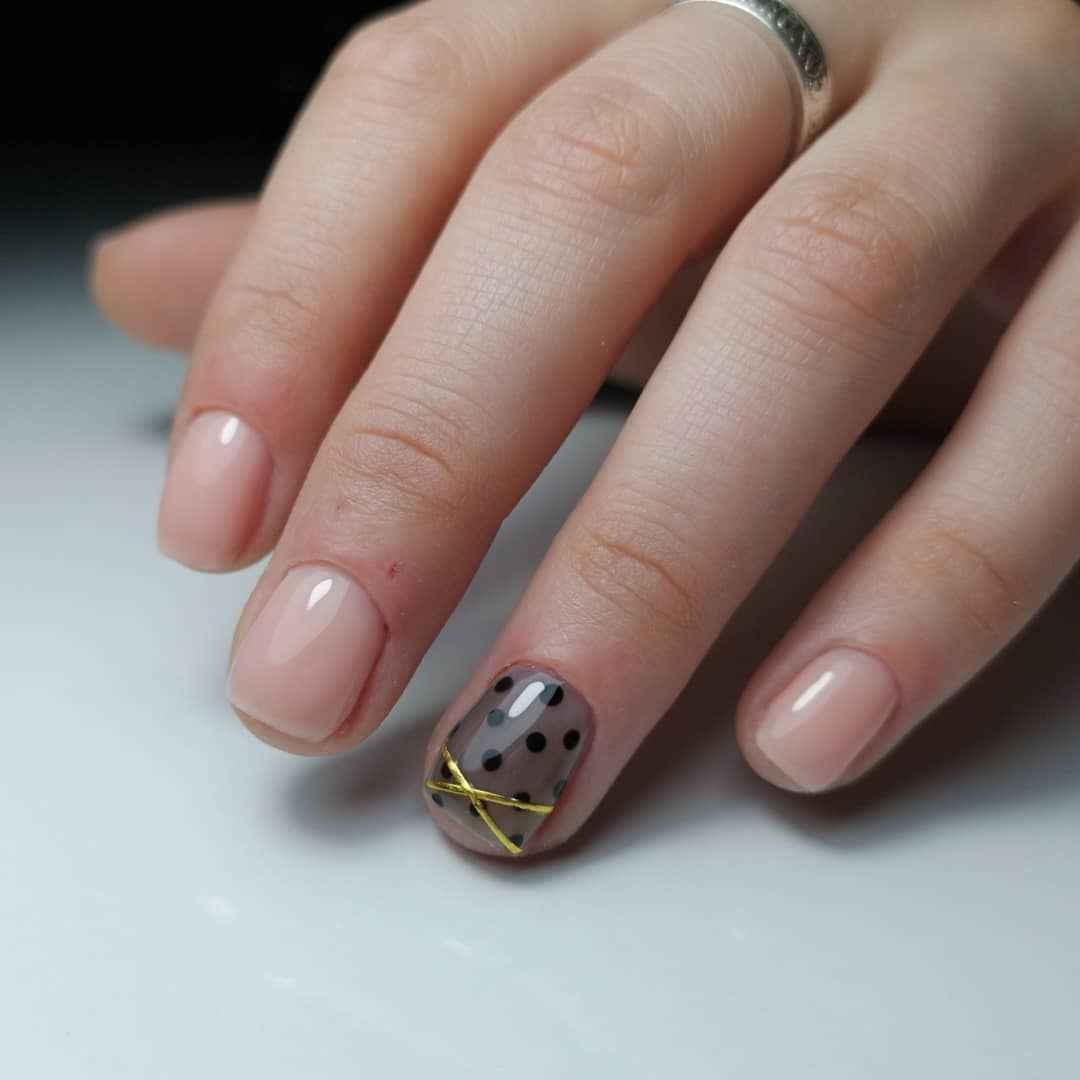 Маникюр паутинка на короткие ногти фото_22