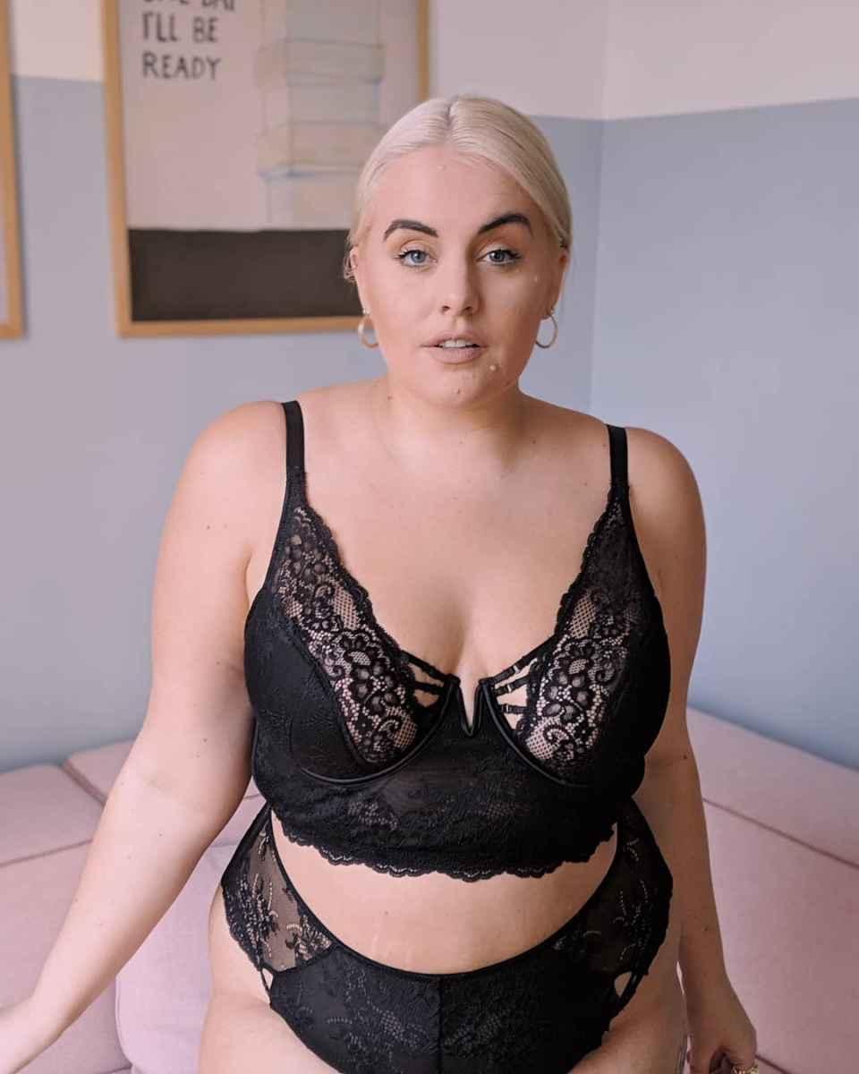 Красивое женское белье для полных фото идеи_25