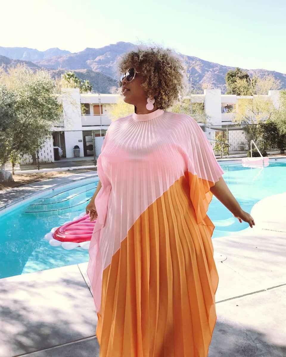 Модные луки для полных женщин лето 2019 фото_27