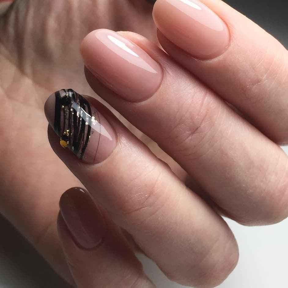 Маникюр паутинка на короткие ногти фото_14