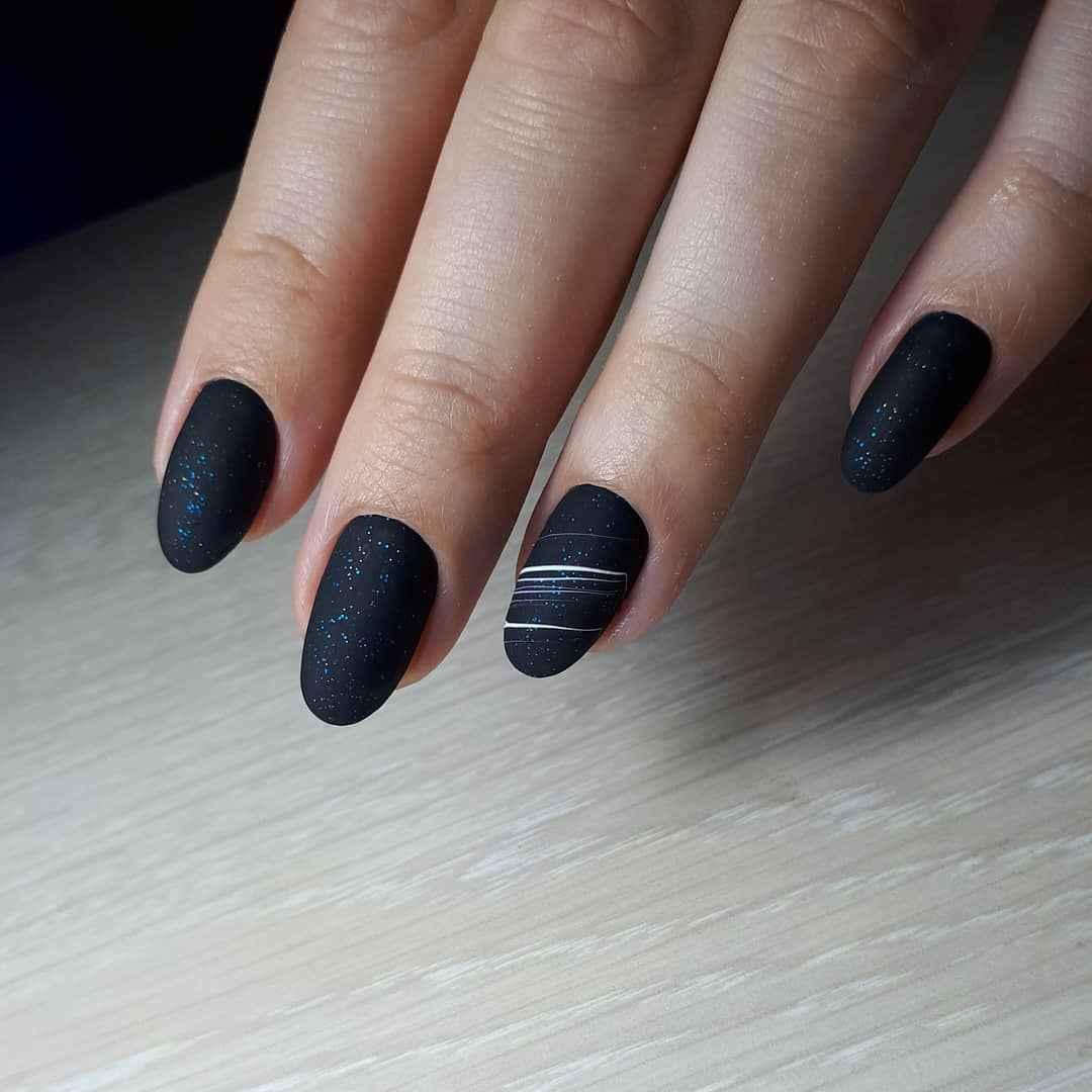 Маникюр паутинка на короткие ногти фото_67