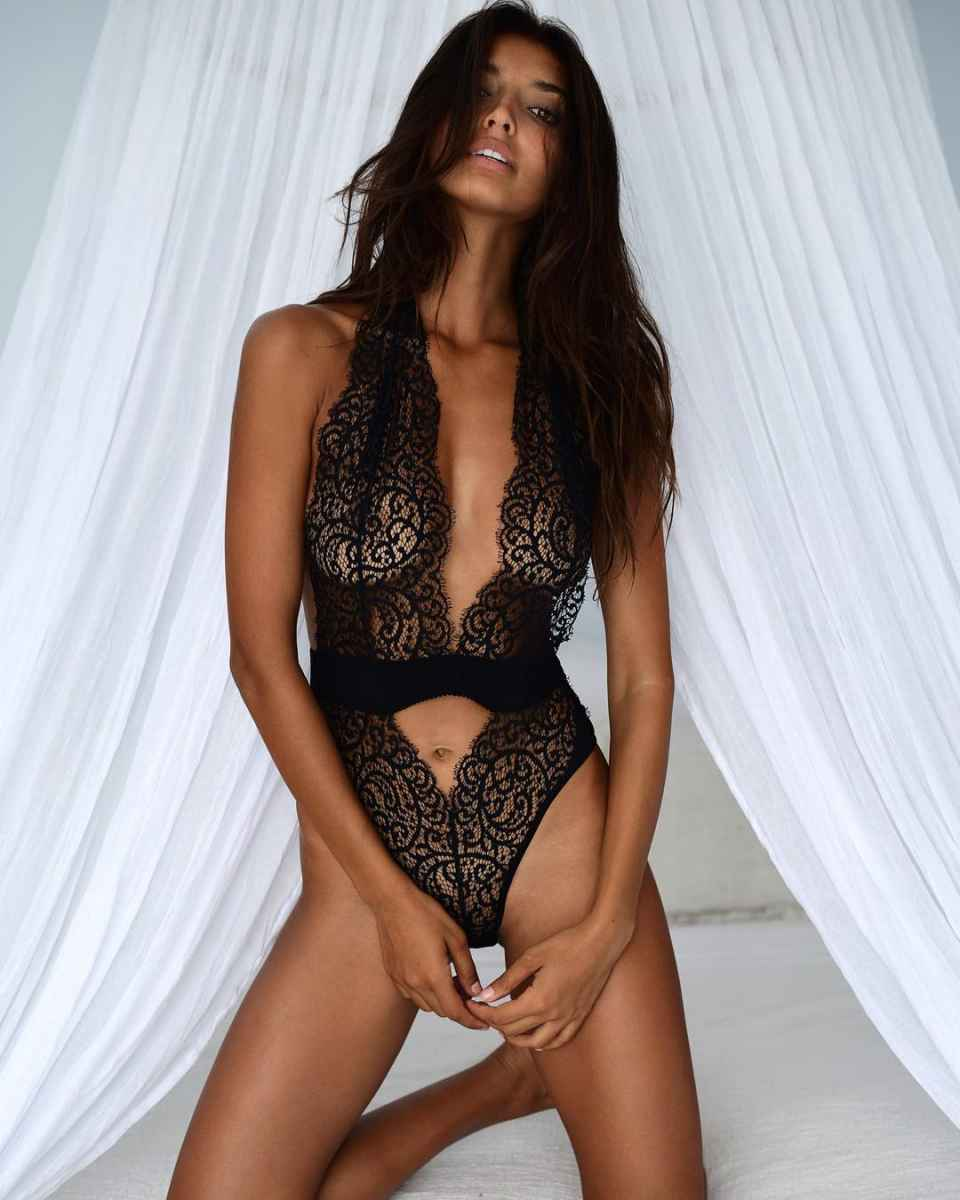 Красивое прозрачное женское белье фото_10
