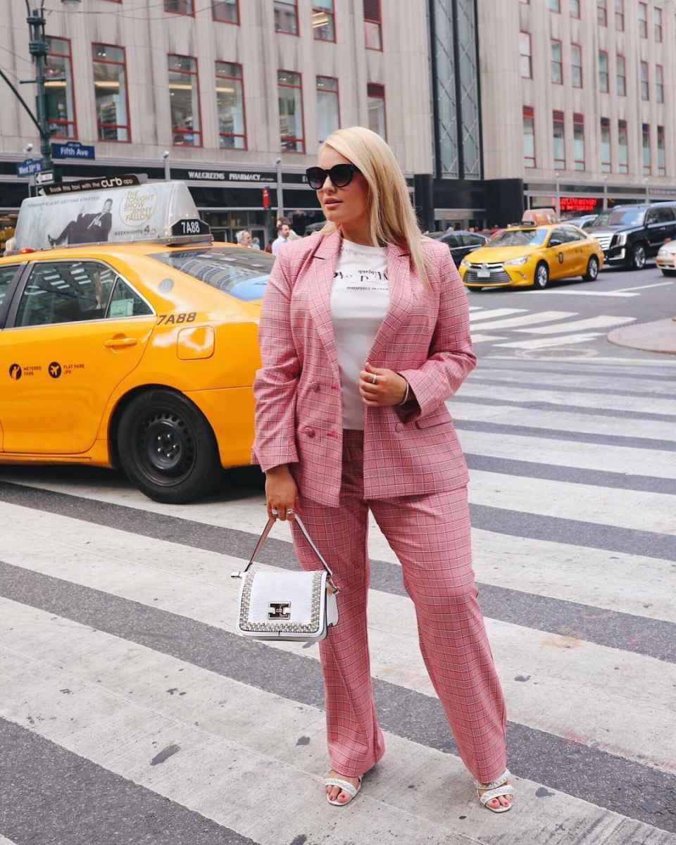 Мода для полных женщин лето 2019 фото идеи_11