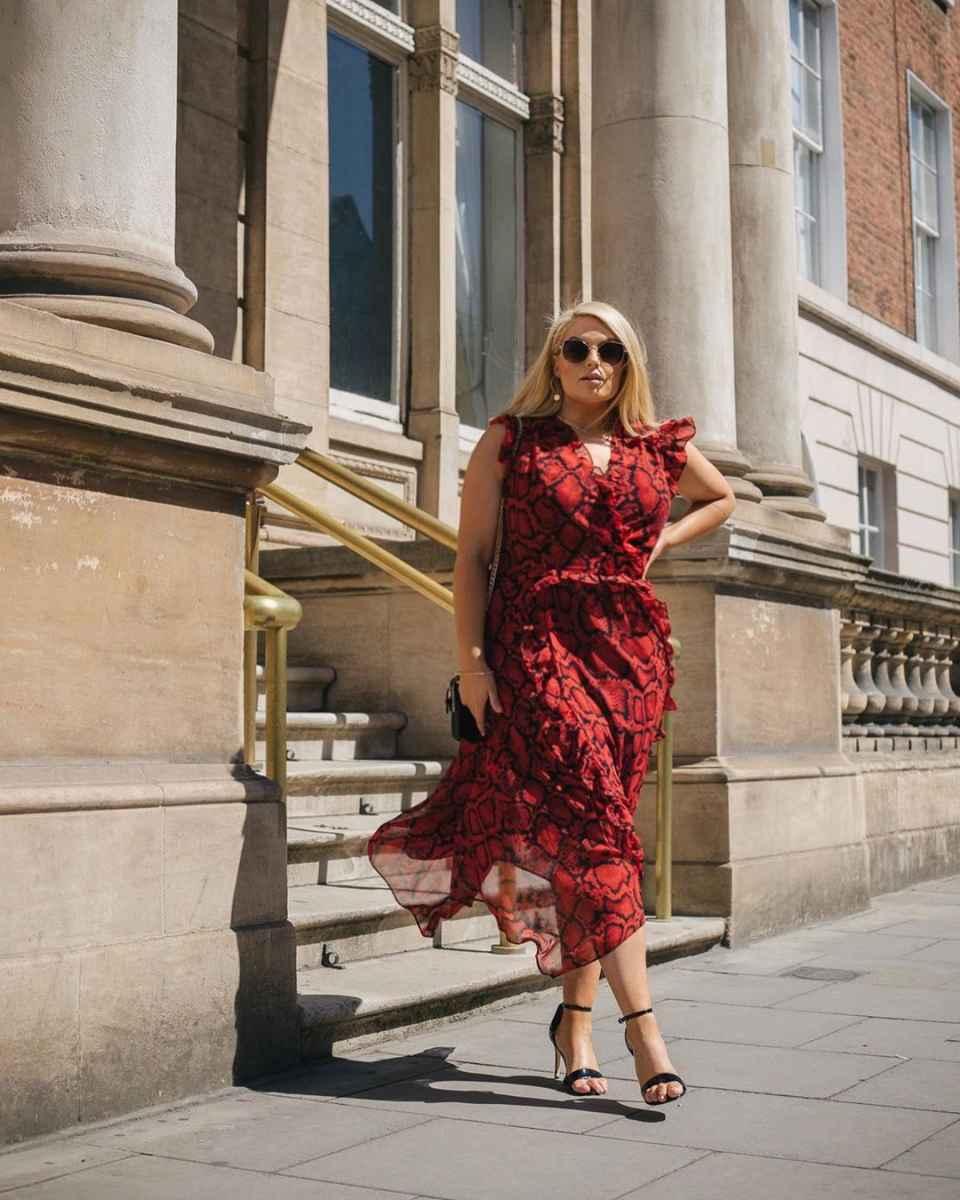 Модные луки для полных женщин лето 2019 фото_22