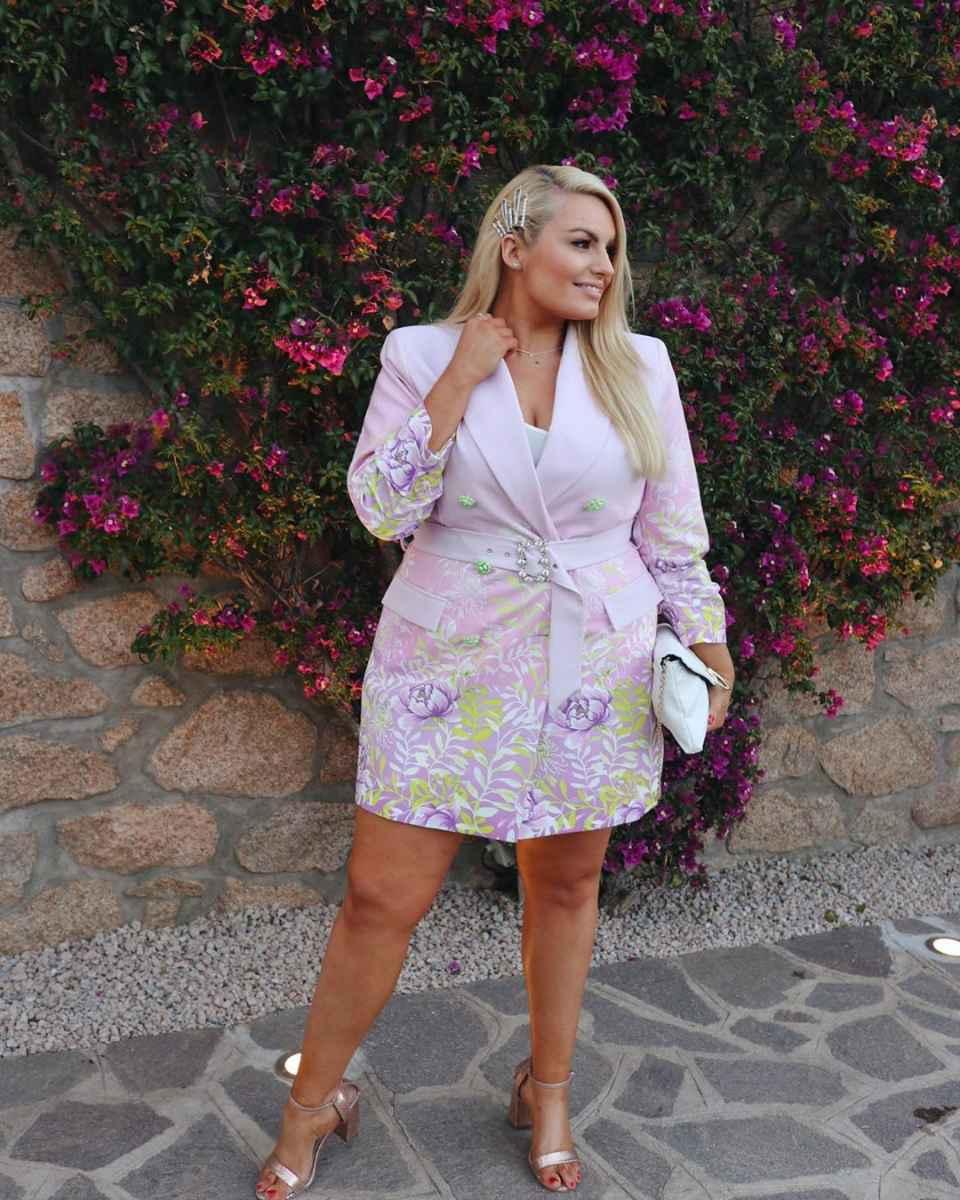Модные луки для полных женщин лето 2019 фото_23