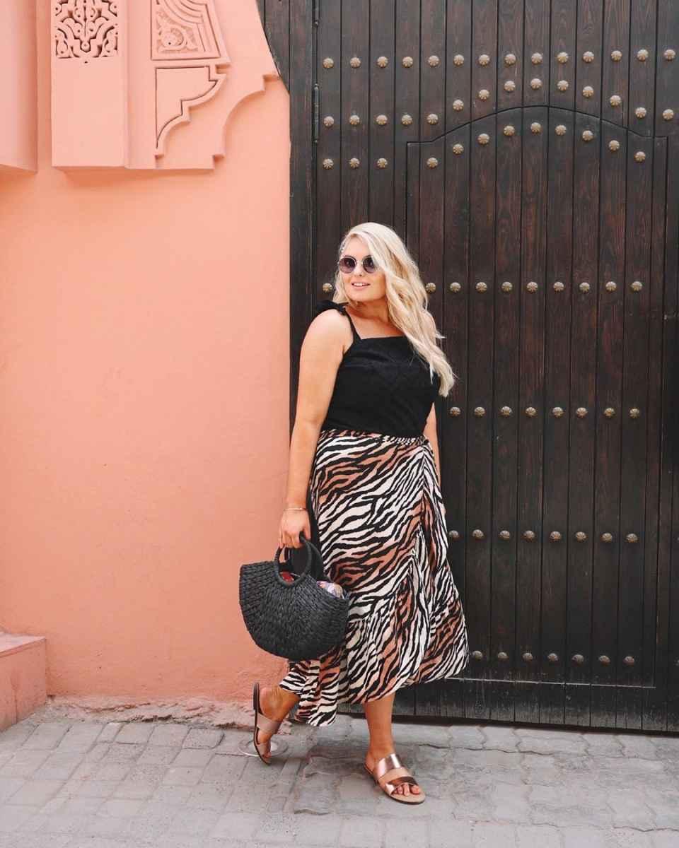 Модные луки для полных женщин лето 2019 фото_24