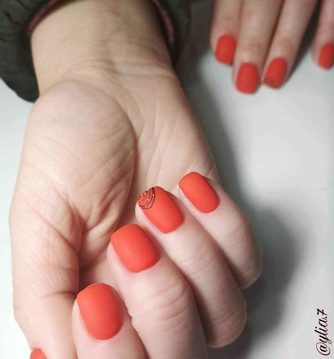 Маникюр паутинка на короткие ногти фото_25