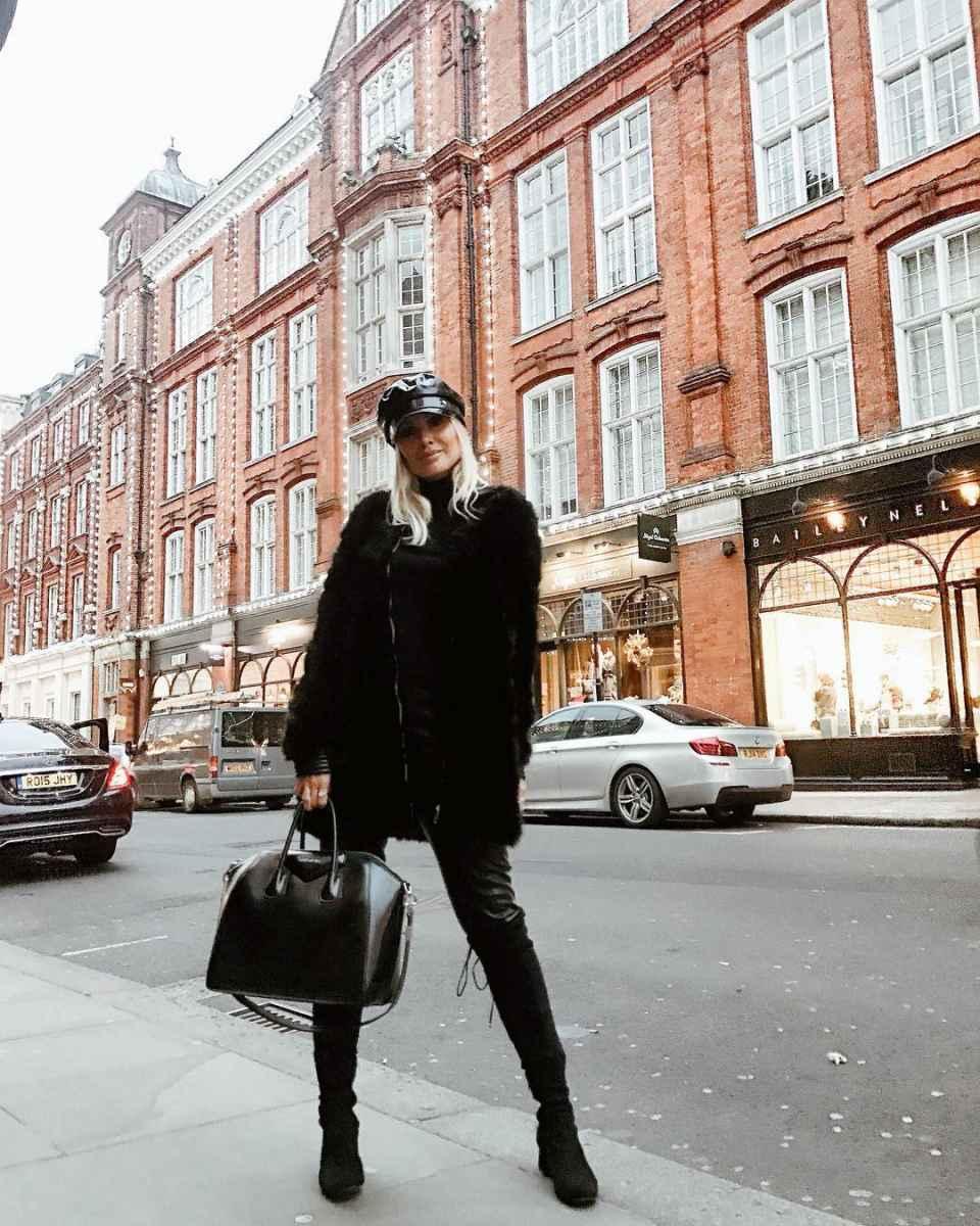 Модная верхняя одежда осень-зима 2019-2020 для женщин 30-40 лет фото_16