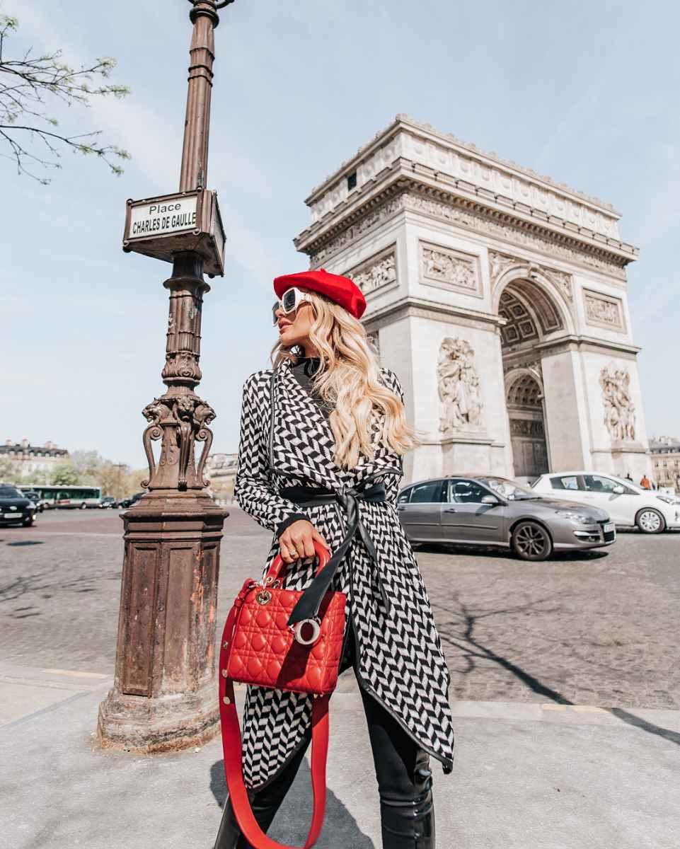 Модная верхняя одежда осень-зима 2019-2020 для женщин 30-40 лет фото_8