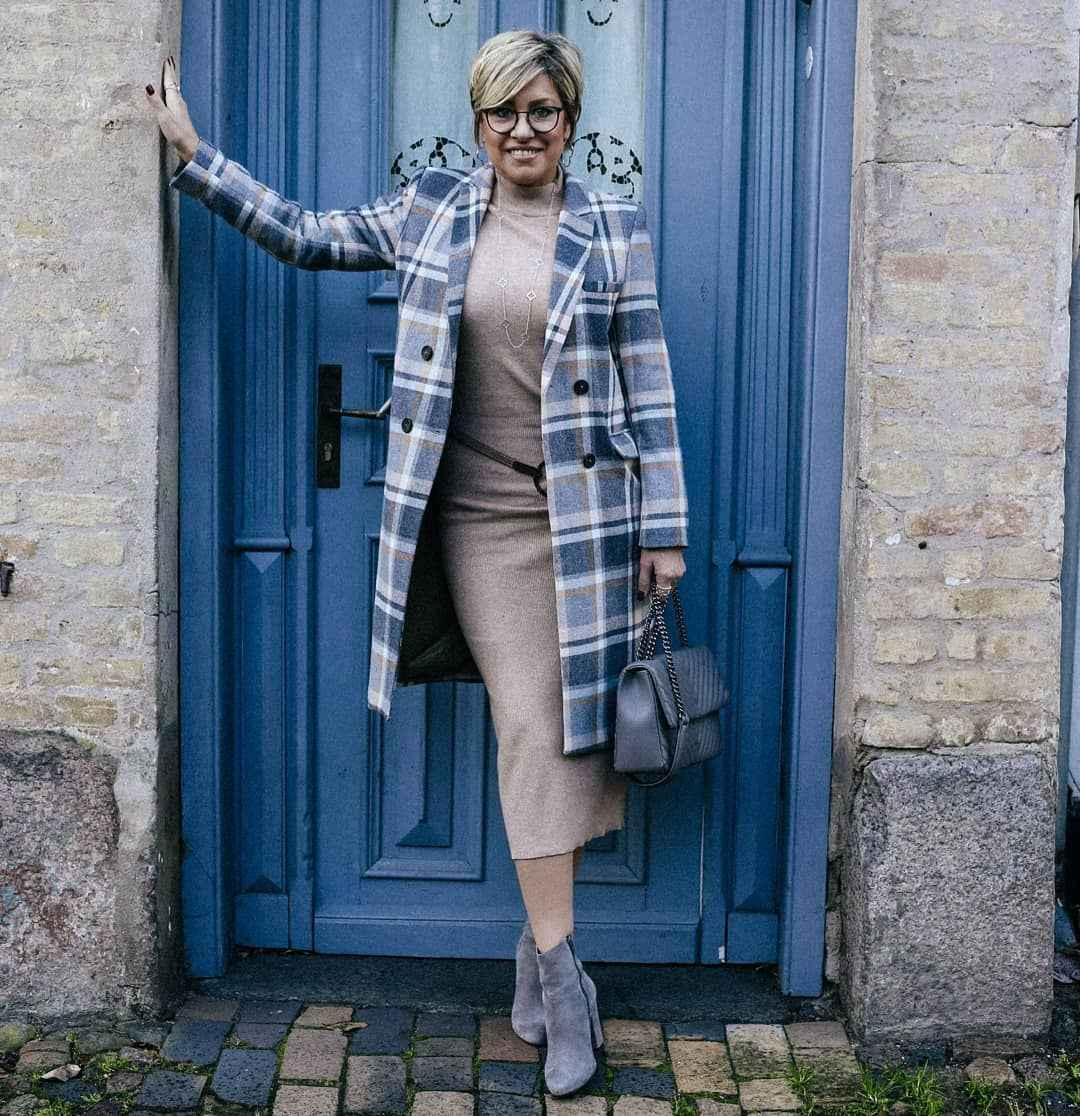 Модные платья для женщин 50 лет осень-зима 2019-2020 фото_9