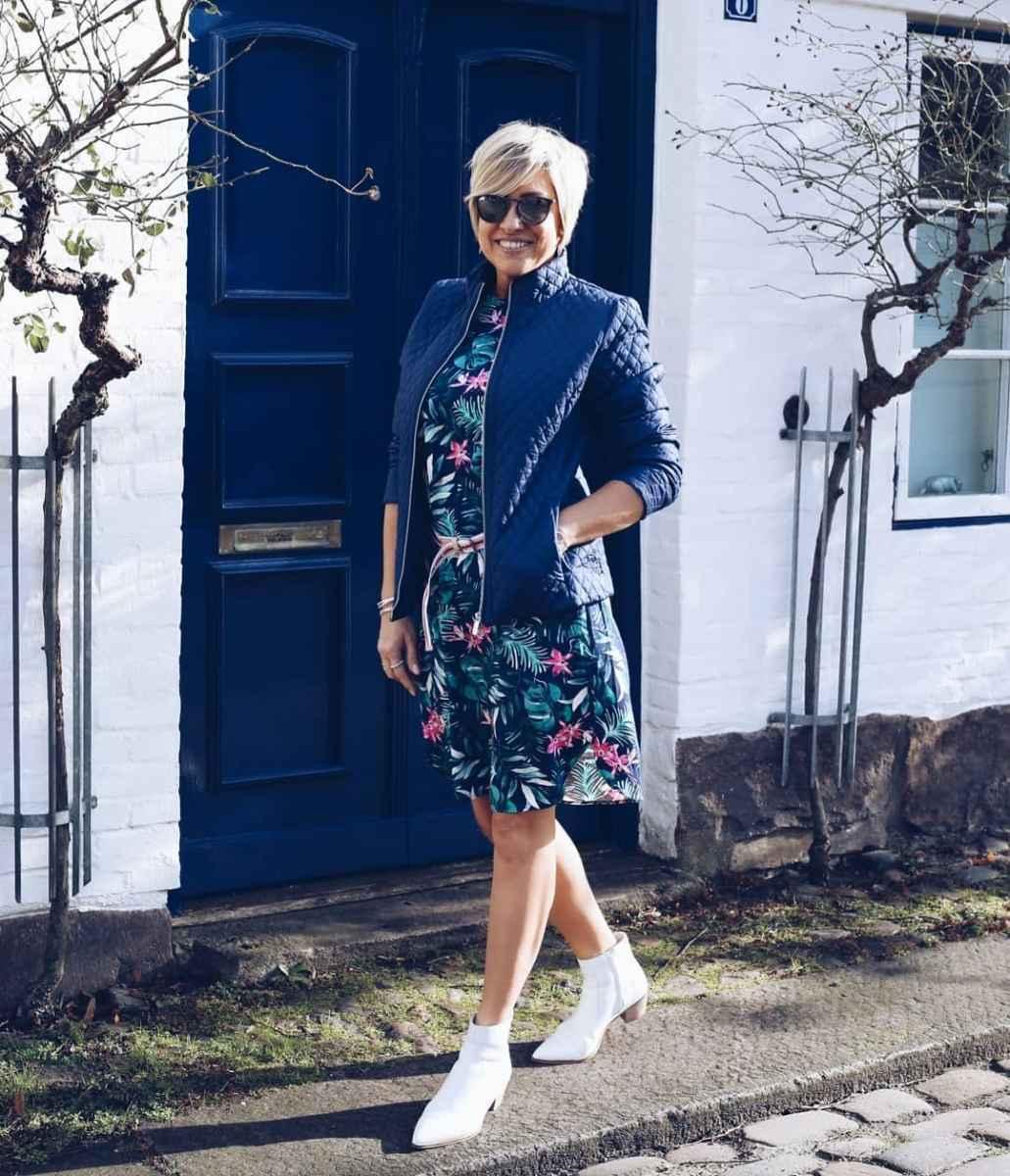 Модные платья для женщин 50 лет осень-зима 2019-2020 фото_6