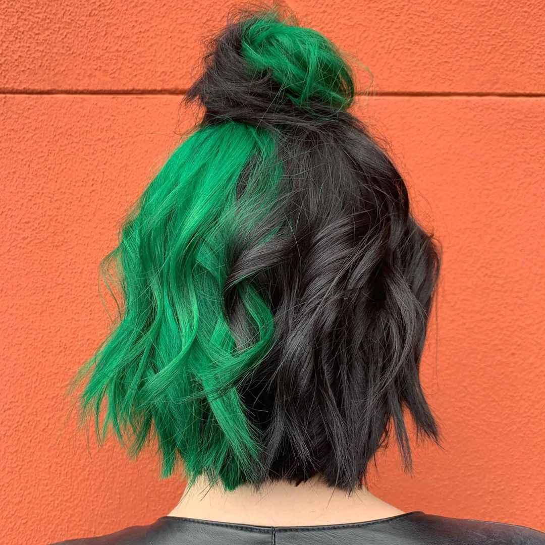 Двухцветные разделенные волосы