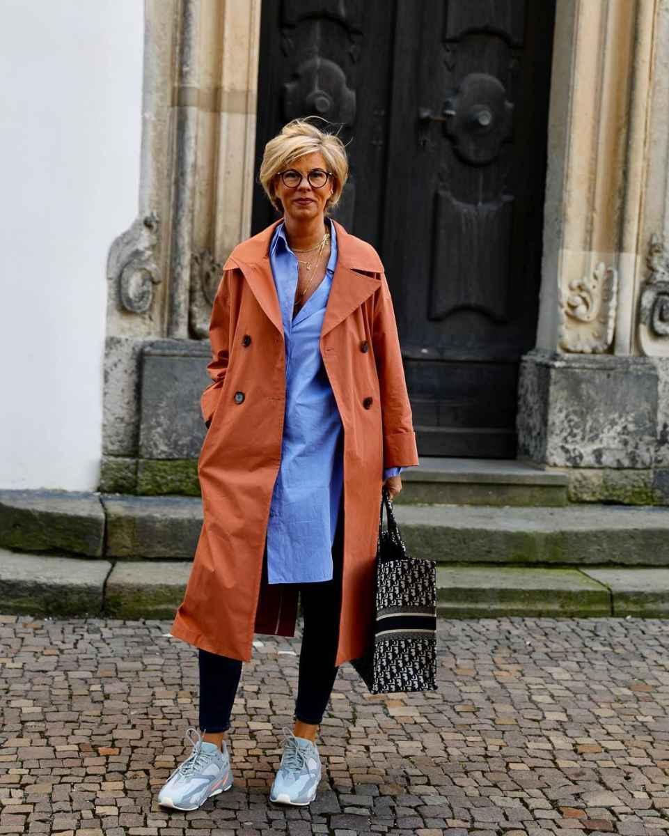 Модные платья для женщин 50 лет осень-зима 2019-2020 фото_21
