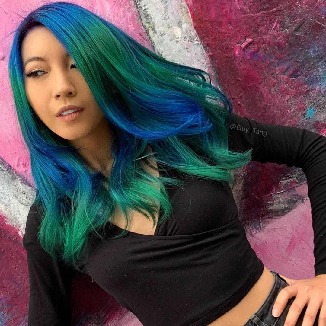 Сине-зеленые волосы балаяж