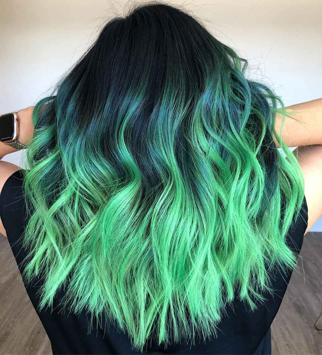 Зеленые волосы омбре