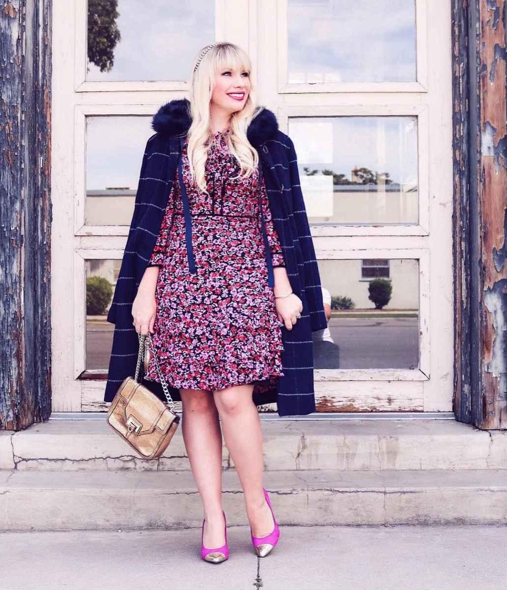 Модные платья для женщин 50 лет осень-зима 2019-2020 фото_54