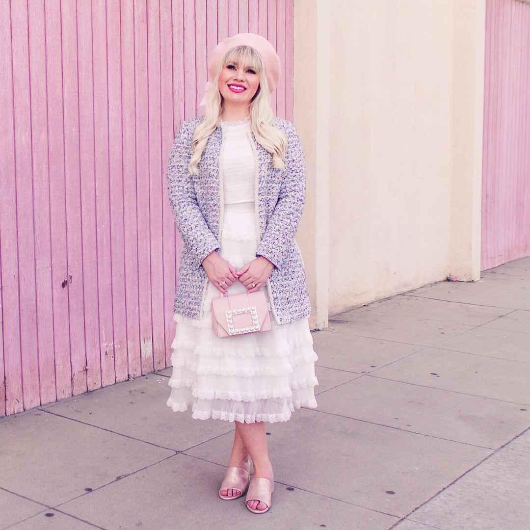 Модные платья для женщин 50 лет осень-зима 2019-2020 фото_47