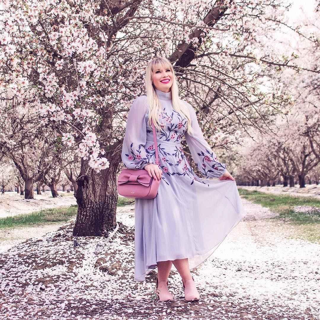 Модные платья для женщин 50 лет осень-зима 2019-2020 фото_46