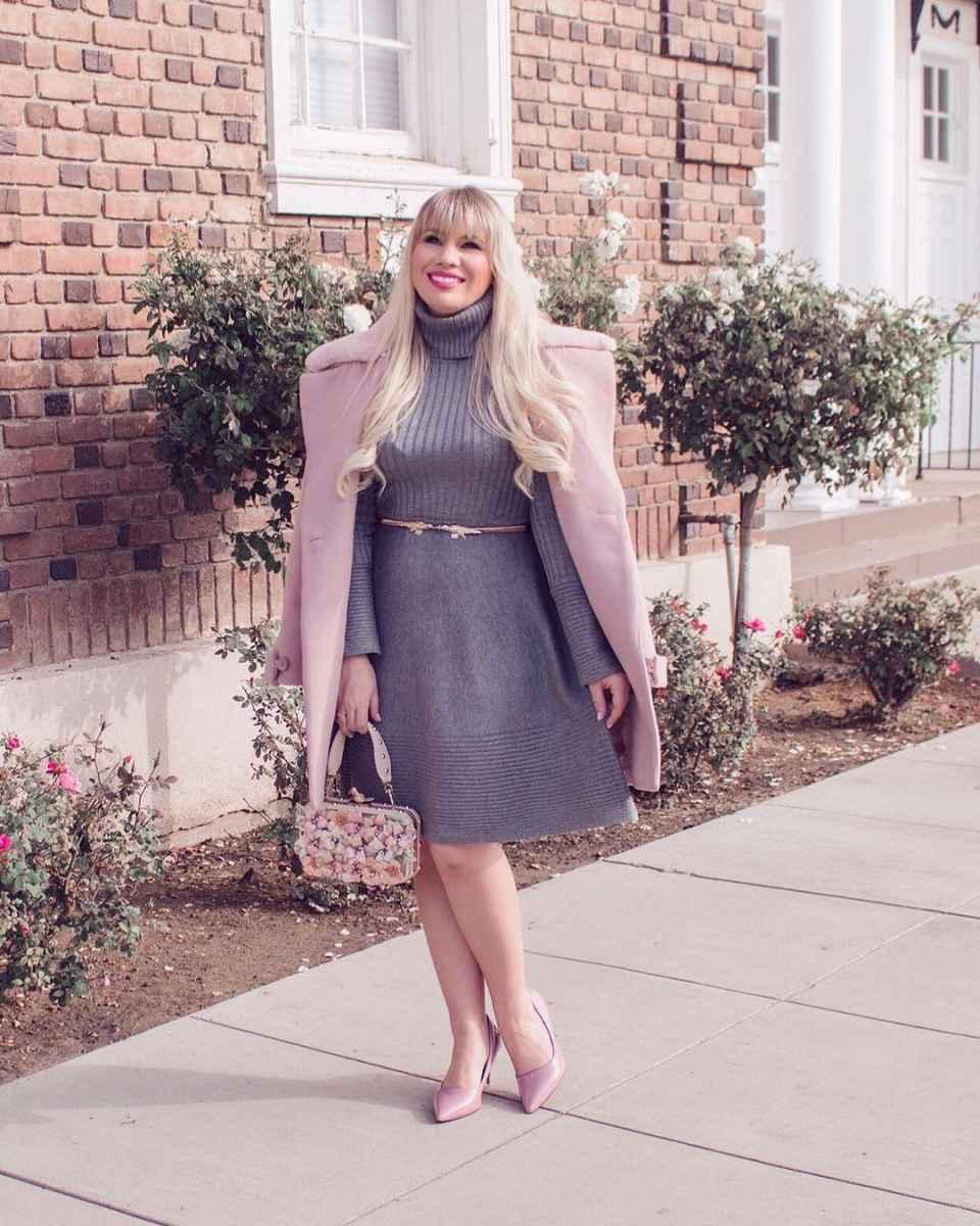 Модные платья для женщин 50 лет осень-зима 2019-2020 фото_40