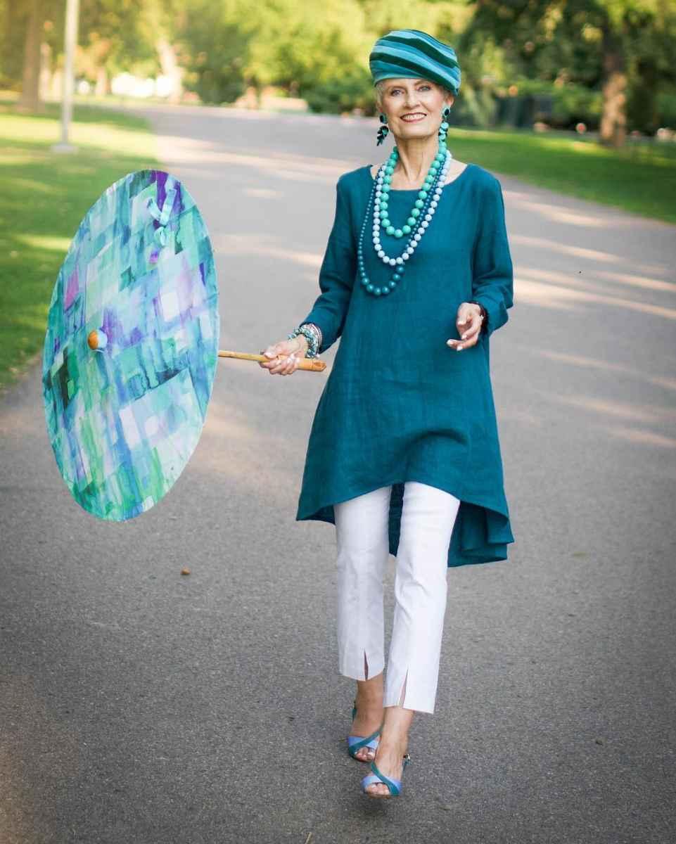 Модные платья для женщин 50 лет осень-зима 2019-2020 фото_16