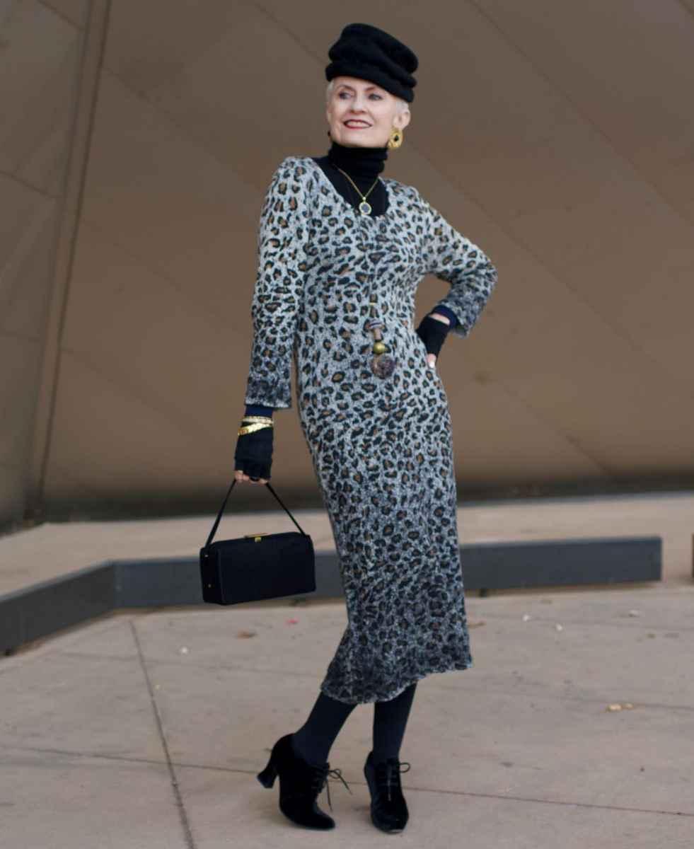 Модные платья для женщин 50 лет осень-зима 2019-2020 фото_14