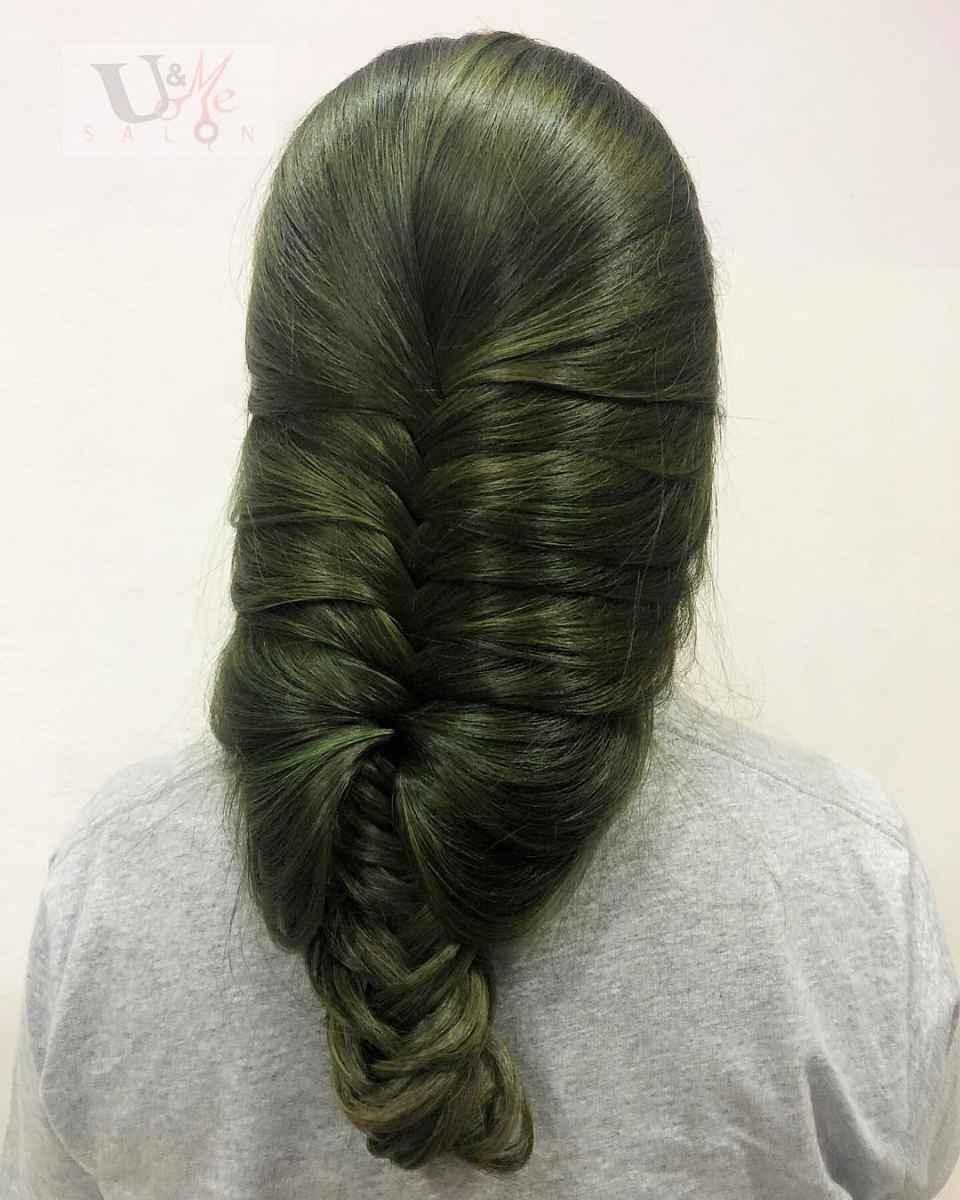 Оливково-зеленые волосы